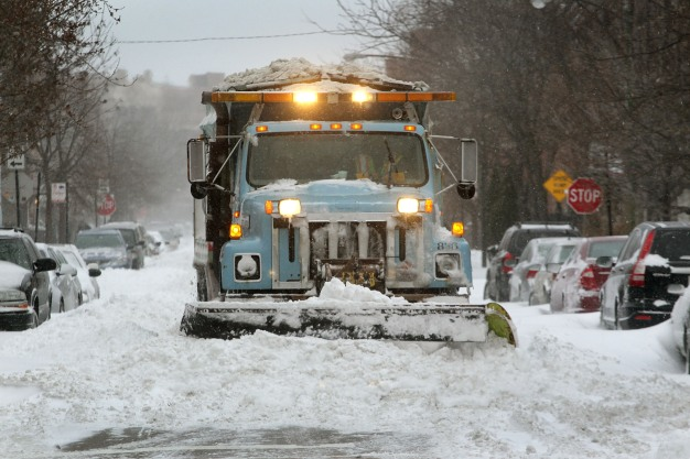 How to Track When Your Chicago Street Will Be Plowed