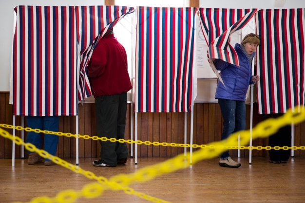 Ward Room Campaign Round-Up: Democratic U.S. Senate Candidates Square Off