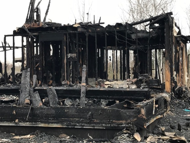 Sheriff: 6 Dead in Rural Northern Illinois House Fire