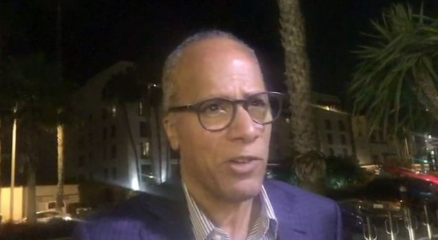 [NATL-LA] 'NBC Nightly News' Anchor Lester Holt Describes LAX Chaos