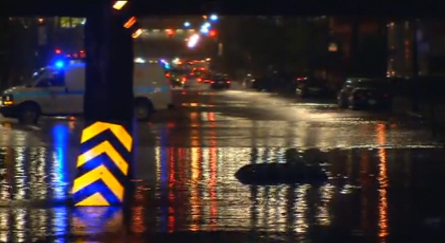 [CHI] Heavy Rain Wreaks Havoc In Chicago