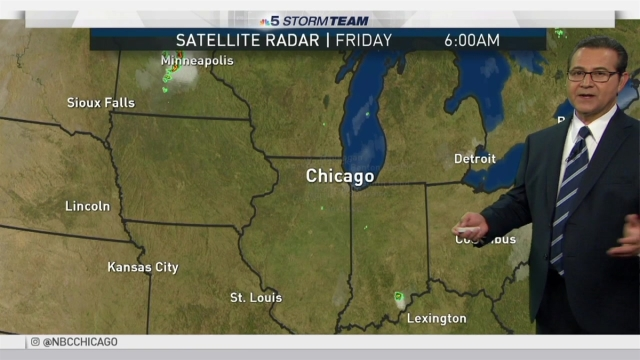 <p>Fall officially arrives this afternoon, but it appears summer isn't going away just yet. Andy Avalos has the latest forecast update for the Chicago area.</p>