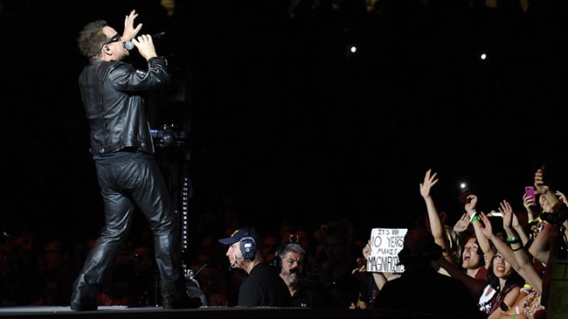 U2 Rocks Soldier Field