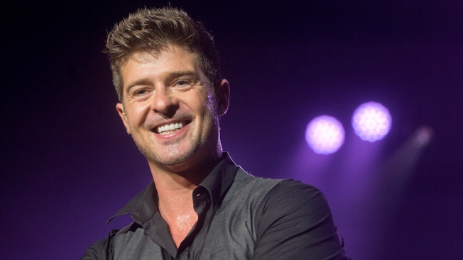 "Robin Thicke to Perform at Downtown Chicago ""Block Party"""
