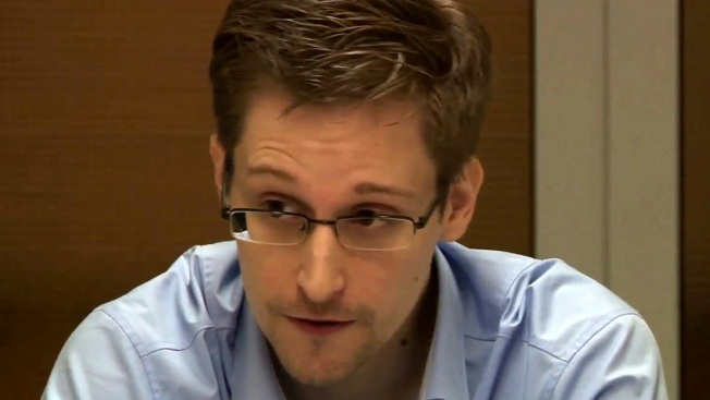 The New York Times and Guardian newspapers have called for clemency for Edward Snowden, saying that the espionage worker-turned-privacy advocate should be praised rather than punished for his disclosures, The Associatd Press reported. The papers — both of