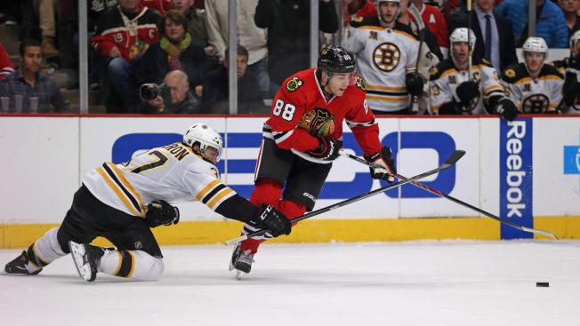 Bruins Blast Blackhawks in 6-2 Blowout at United Center
