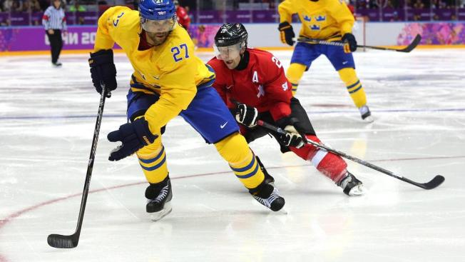 Blackhawks at the Olympics: Toews Leads Way on Friday