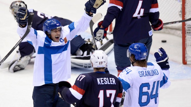 Selanne Scores Twice As Finland Wins Bronze Medal