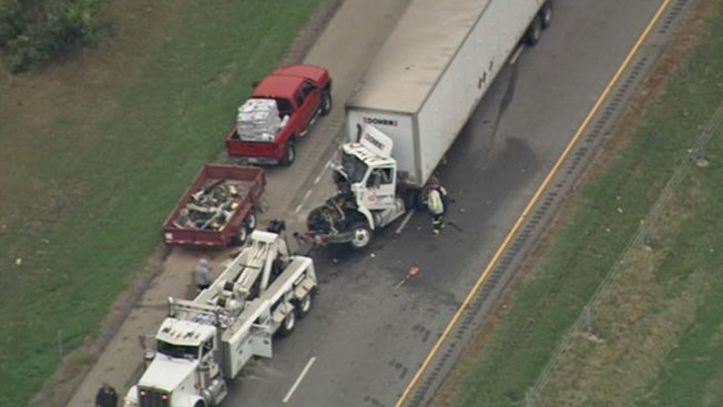 Crash Involving 7 Vehicles Snares I-55 Traffic