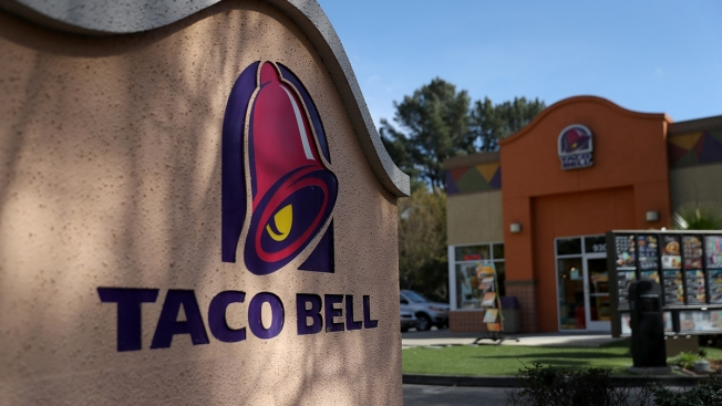 Reservations Now Open for Taco Bell Hotel in Palm Springs