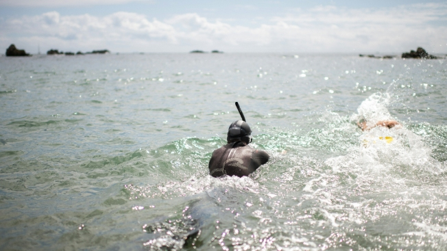 The Really Deep End: Swimmer Sets Off in Attempt at 1st Pacific Crossing