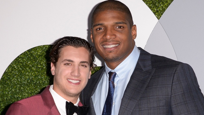 Michael Sam Confirms Engagement to Vito Cammisano With Twitter Photo ... 4f74682e8