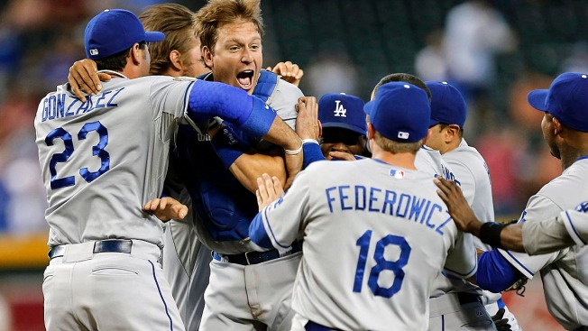 Dodgers Clinch NL West with 7-6 Win Over Arizona