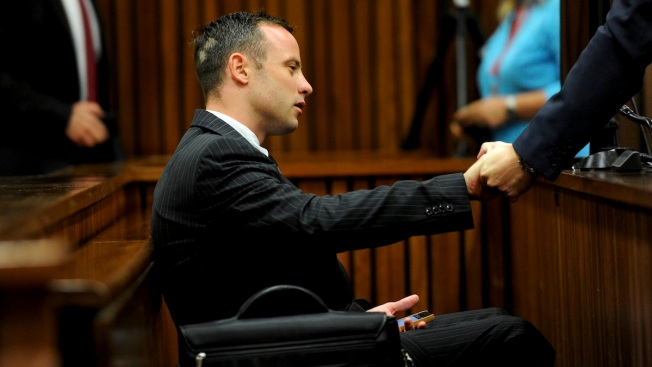 After Delay, Police Photographer Testifies at Pistorius Trial