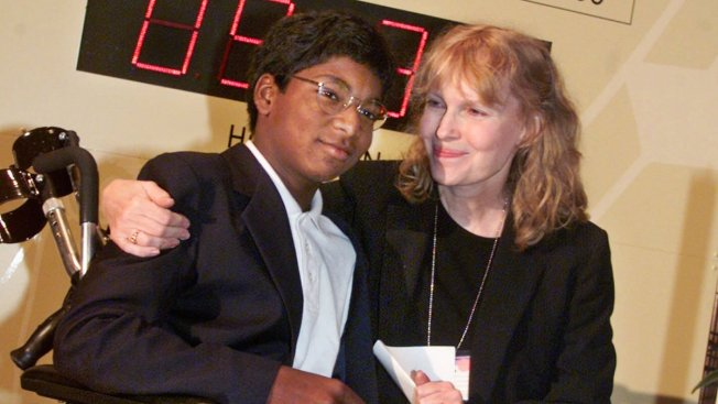 Mia Farrow's Son Fatally Shot Himself: ME