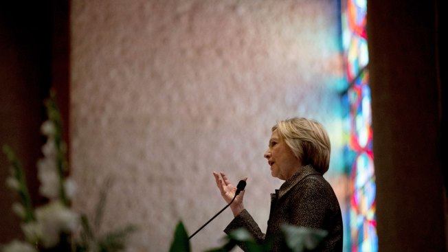 Clinton Visits Charlotte Church, Calls for Healing in Wake of Shooting