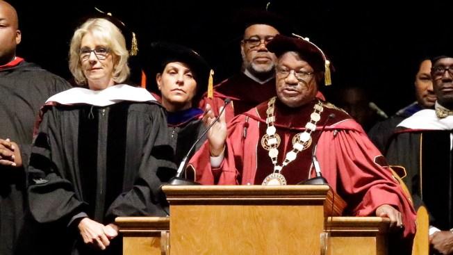 Students Jeer US Education Secretary at University Ceremony in Florida