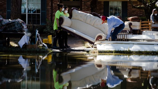 US Loses 33K Jobs in September as It Deals With Storm Damage, First Drop in 7 Years