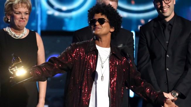 fe25ee7c5ed01 24K Sweep  Bruno Mars Wins Grammy for Album