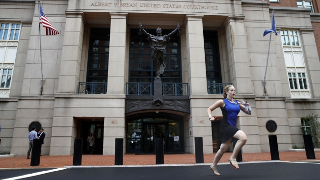 Sprinting NBC News Intern at Manafort Trial Does Andrea Mitchell Proud