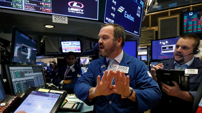 After Long Losing Streak, US Stocks Surge on Solid Earnings