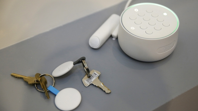 Say What? Google Forgot to Mention Its Nest Hub Has a Mic