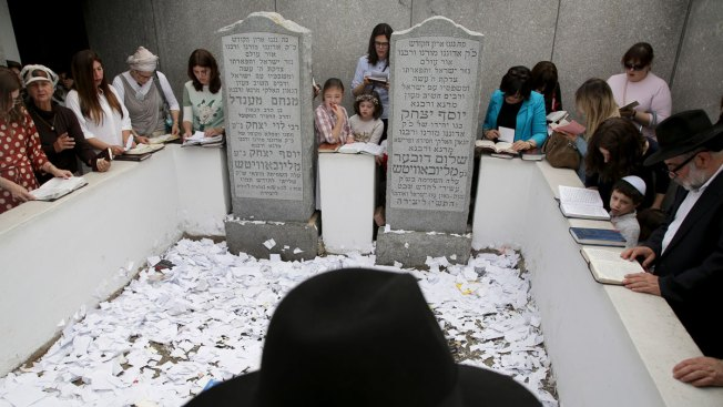 Revered Jewish Leader's NY Burial Site Draws Crowds From Around World