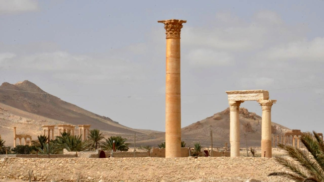 Militants Retake Ancient City of Palmyra From Syrian Forces