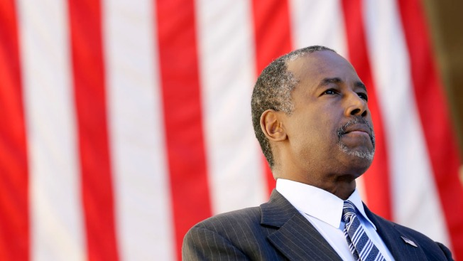 Rivals Unmoved by Carson's Complaints on Scrutiny of His Bio