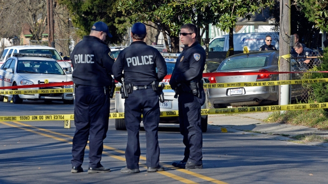Police Officers Who Suspect Baton Viral Arrest – Wonderful