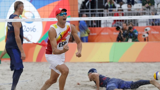 US Men's Team Loses to Spain in Beach Volleyball, Eliminated From Tournament