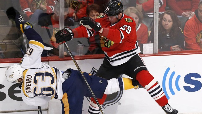 Blackhawks Win Game 4 in Triple Overtime