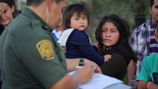 Without Warrants, U.S. Border Agents Can Search Devices for Wide Range of Crimes, Lawyers Claim