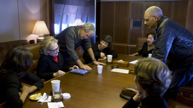George W. Bush Shows Off Paintings to Hillary Clinton Aboard Air Force One