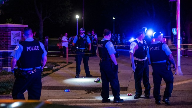 2 Dead, at Least 34 Wounded in Shootings Across Chicago