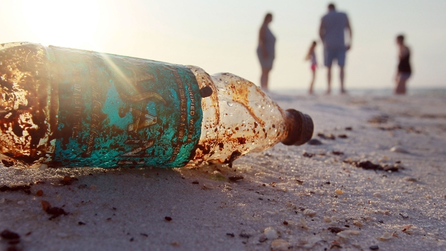 The Great Pacific Garbage Patch Carrying 1.8T Plastic Pieces: Study