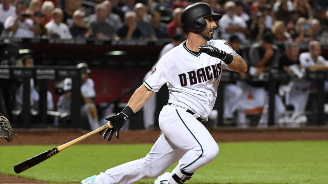 Cubs Infielder Daniel Descalso Looks to Provide Leadership
