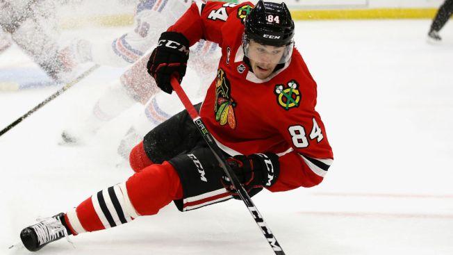 Flames vs. Blackhawks: Kunitz, Fortin Draw Back Into Lineup