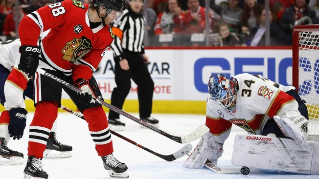 Panthers Blow Out Blackhawks Ahead of Holiday Break