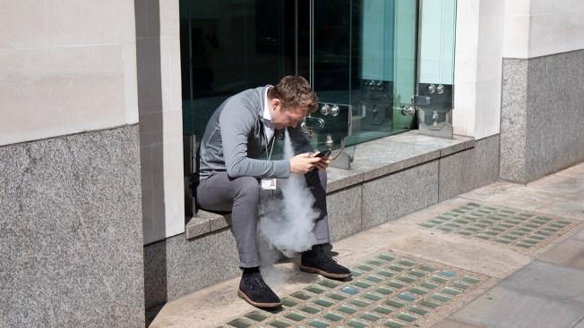 As US Urges Caution Amid Vaping Illness Deaths, UK Embraces E-Cigarettes