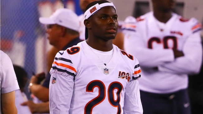 Tarik Cohen Apologizes After Accidentally Showing Nude Kyle Long in Bears' Locker Room