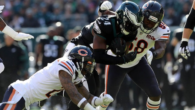 Eagles Stave Off Late Comeback Attempt, Beat Bears