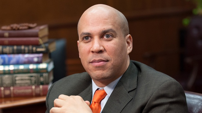 Sen. Cory Booker Campaigns for Rep. Tammy Duckworth in Chicago