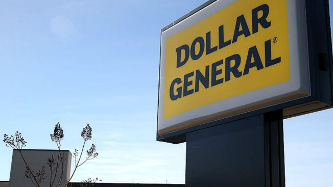 Dollar General Cashier Surprises Shoppers With Amazing Singing Voice, is Invited Onstage With Maxwell