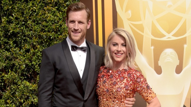 Julianne Hough And Brooks Laich Get Married In Idaho Ceremony
