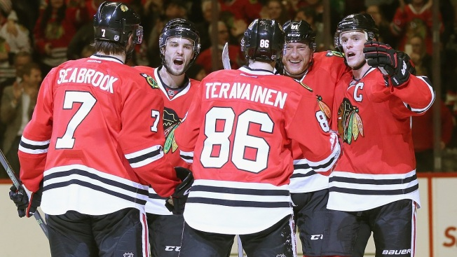 Blackhawks Blank Oilers 4-0 to Sweep Season Series