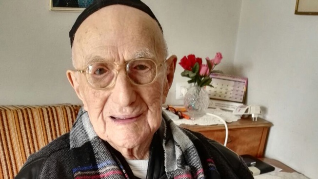 World's Oldest Man, a Holocaust Survivor, Dies at 113