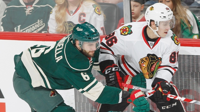 Wild Surge Past Blackhawks 4-1 for 6th Straight Win