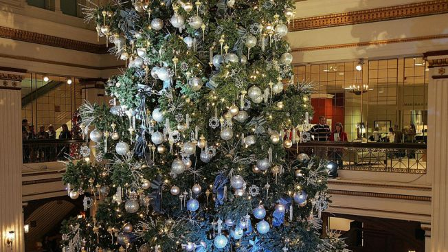 Macys Christmas Tree.Amid Speculation Macy S Says Walnut Room Is Staying Nbc