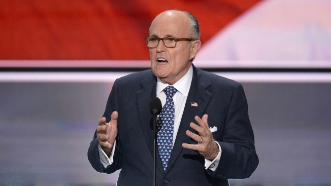 Giuliani, Backing Trump, Appears to Briefly Forget 9/11